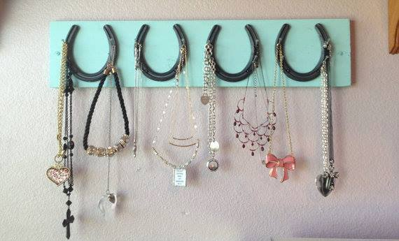 FARMHOUSE COUNTRY CHIC DECOR 4 Horseshoe and Nail Western RODEO BUCKLE or Jewelry & Accessory Holder