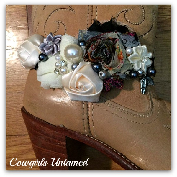 WILDFLOWER BOOT GARTER Cream and Black Silk Flowers and Boho Mesh Flower Rhinestones and Galloping Horse Charm Black Lace Boot Cuff
