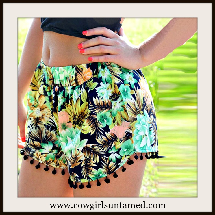 SUNDANCE COWGIRL SHORTS Green Multi Color Floral Elastic Waist Pom Pom Trim Shorts