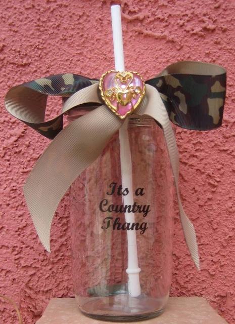 "CAMO COWGIRL DECOR Green Camo Bow ""It's a Cowgirl Thang"" Sippy Cup"