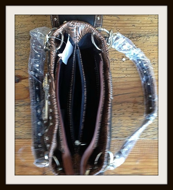 Measures  western purse handbag