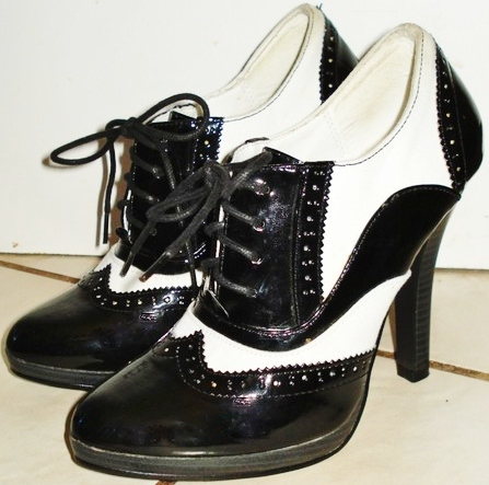Cowgirls Untamed > COWGIRL PINUP SHOES Black & White Patent Pinup