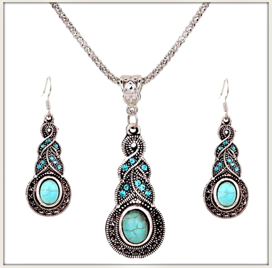 COWGIRL STYLE NECKLACE SET Crystal &Turquoise Antique Silver Necklace & Earrings Set