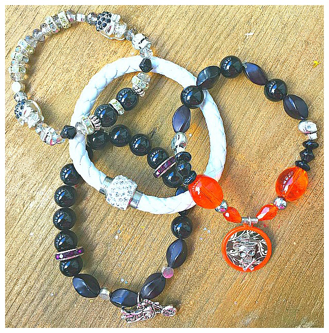 COWGIRLS ROCK BRACELET SET Handmade Silver Rhinestone Skull Orange & Black Beaded Leather 4 Pc Charm Stretch Bracelet Set