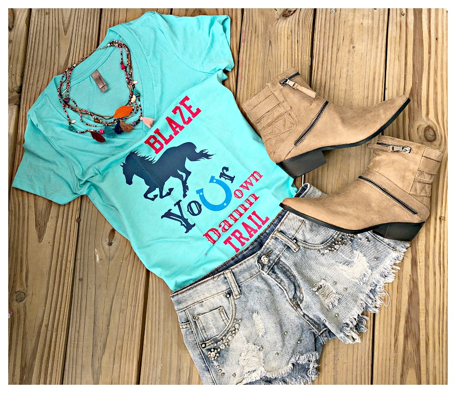 "LAVONNE & VIOLET TOP Pink ""Blaze Your Own Trail!"" V-Neck Turquoise Western Cowgirl T-Shirt 2 LEFT M or L"