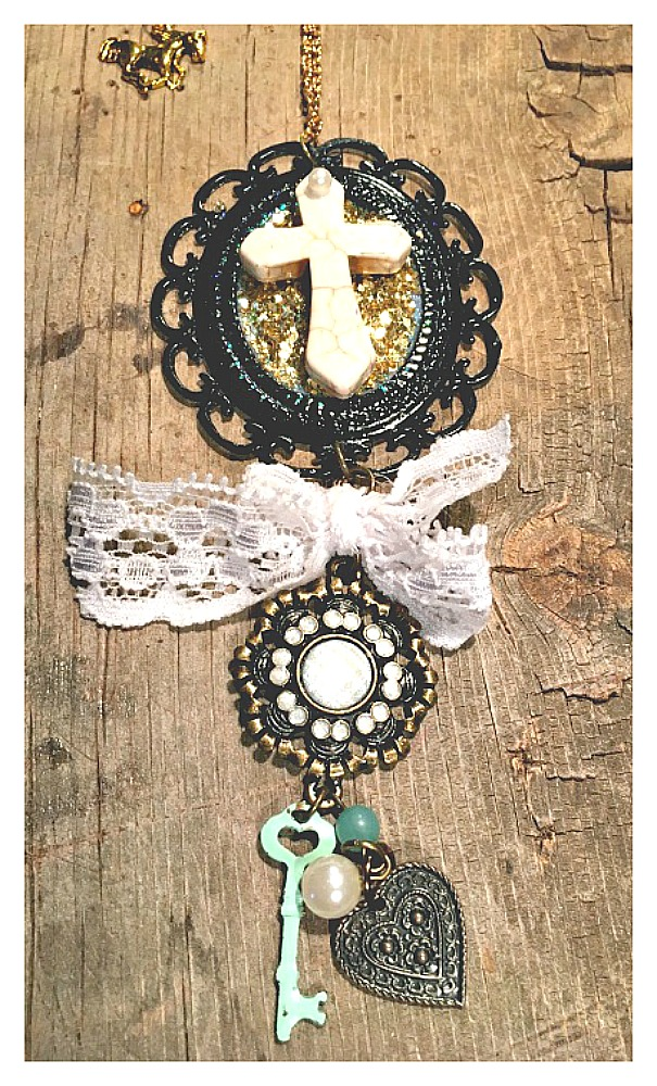 VINTAGE COWGIRL NECKLACE White Turquoise Cross Black Cameo Lace Key Heart Pearl Horse Charm Antique Bronze & Gold Necklace