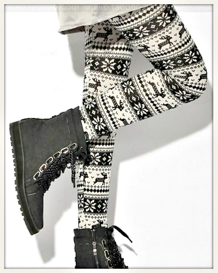 WINTER TIME LEGGINGS Deer & Snowflake Black N White Leggings