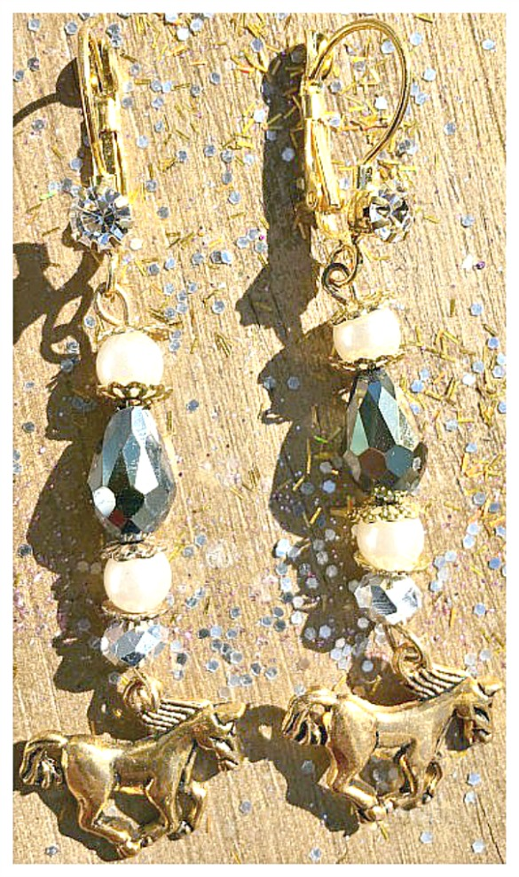 HORSE LOVIN' COWGIRL EARRINGS White Pearl N Black Crystals Gold Horse Charm Earrings