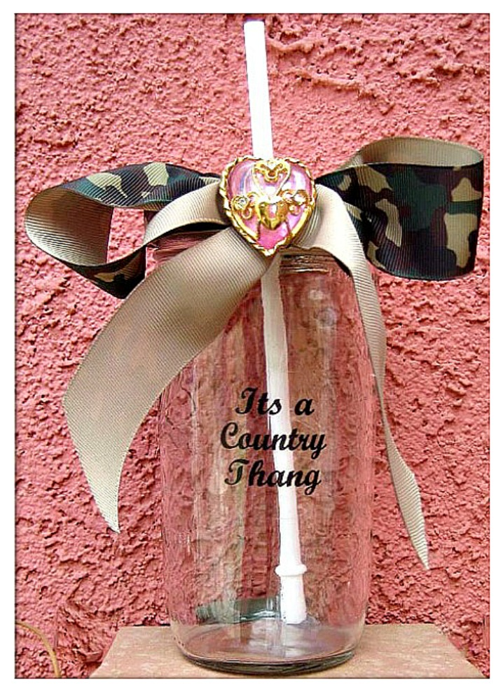 "CAMO COWGIRL DECOR Green Camo Bow ""It's a Cowgirl Thang"" GLASS Sippy Cup"