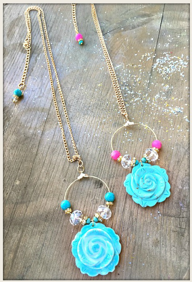 MAGNOLIAS BLOOM NECKLACE Turquoise Rose Rhinestone Golden Hoop Necklace  2 COLORS