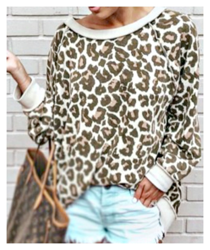 ON THE PROWL TOP Long Sleeve Leopard Print Pullover Shirt