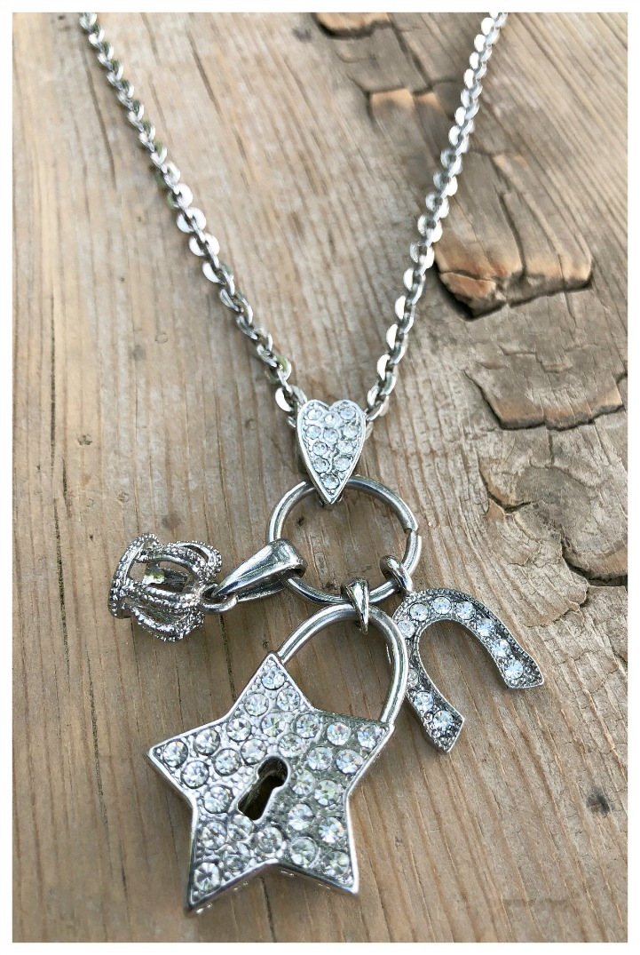 BE A STAR NECKLACE Rhinestone Star Horseshoe Crown Heart Charm Pendant Silver Western Necklace