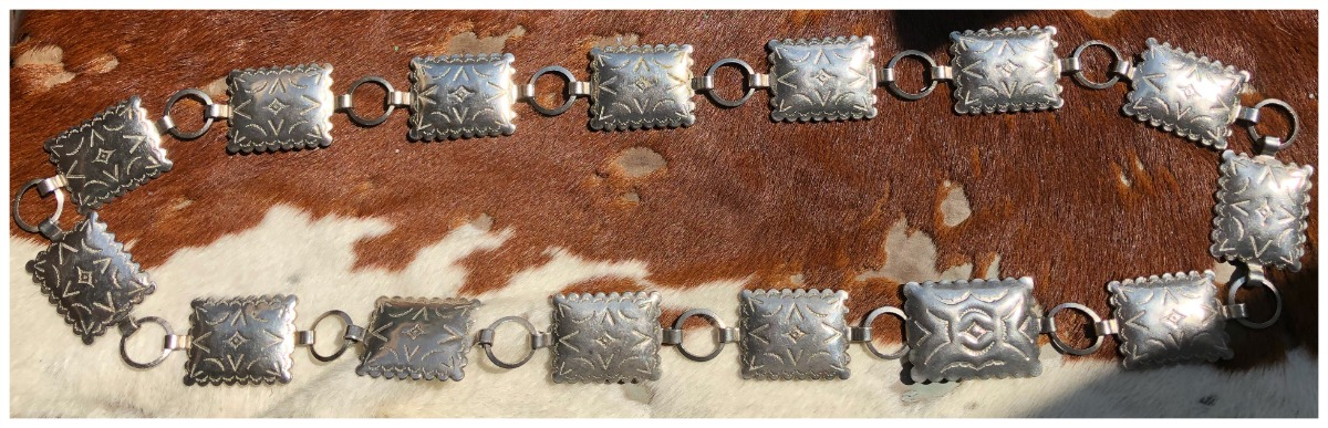 COWGIRL STYLE BELT Silver Rectangle Concho Belt