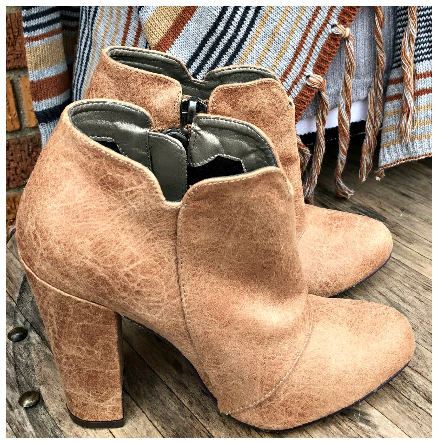 SEXY BOOTIES Michael Antonio Side Zipper Heel Ankle Tan Booties LAST PAIR size 7