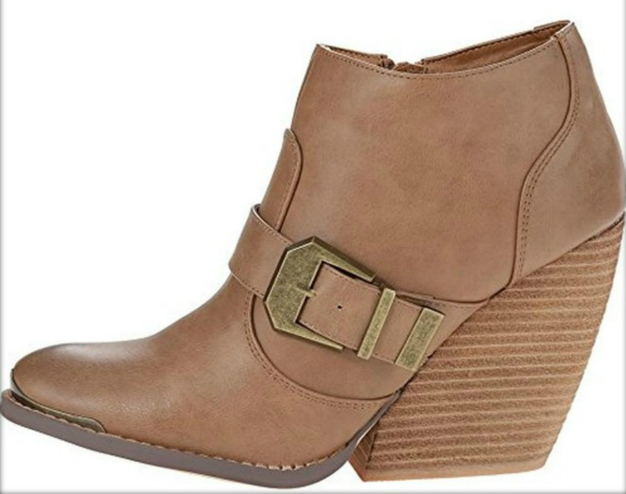 BUCKLE UP BOOTS Chunky Heel Buckle Accent Tan Faux Leather Ankle Boots