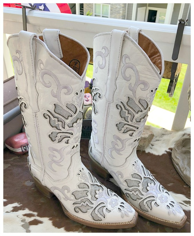 SALE  BOOTS Embroidery with Silver Underlay on Soft White LEATHER Cowgirl Boots  SIZE 6
