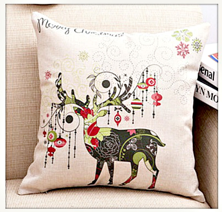 """COWGIRL CHRISTMAS DECOR Colorful Reindeer & Ornament """"Merry Christmas"""" Vintage Style Pillow Case"""